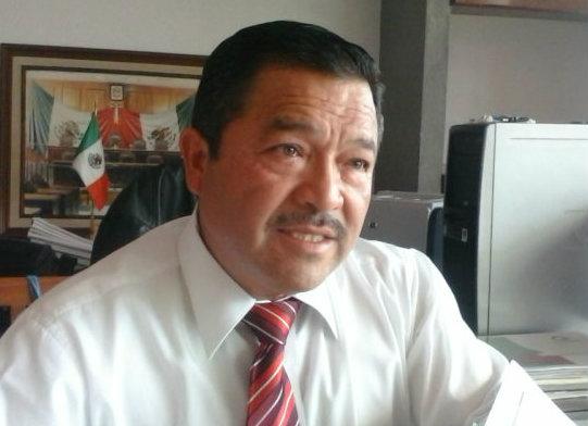 """Llama contralor a municipios a """"fajarse"""" y buscar nuevas fuentes de ingresos"""