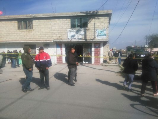 Asesinan a dueña de papelería y balean a su sobrino en Totoltepec