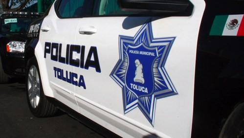 Detienen a hombre que se hacía pasar como policía de Toluca