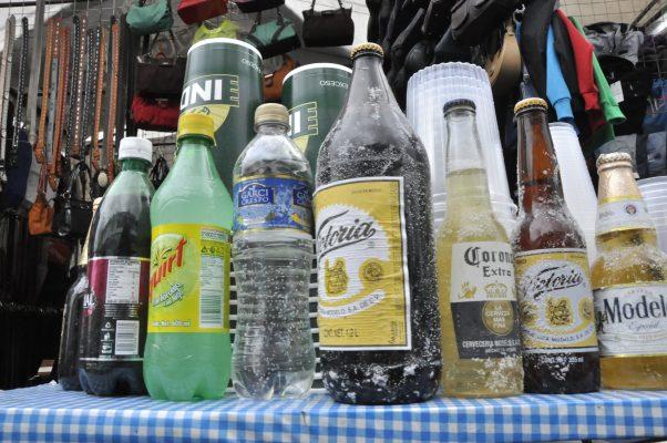 Denuncian instalación de negocios con venta de alcohol cerca de escuelas