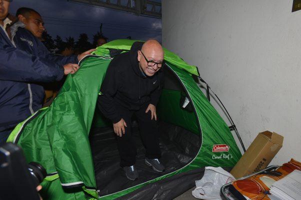 Insiste Pastor Medrano que le regresen su nombramiento como candidato