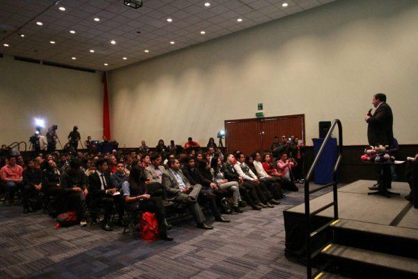 Se compromete Óscar González con la comunidad estudiantil a mejorar la seguridad en el Edomex