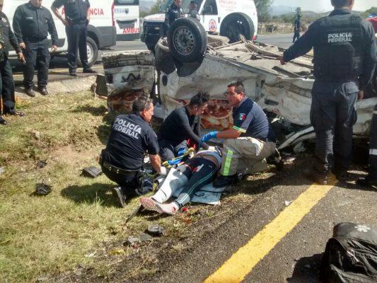 Dos mujeres pierden la vida en accidente automovilístico