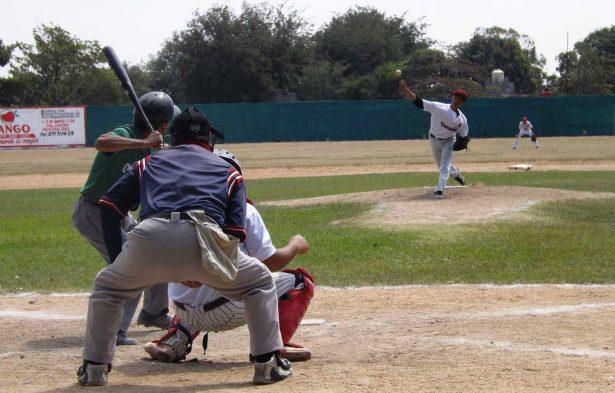 Marineros y Cervecería dominan temporada de beisbol en Toluca