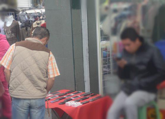 Atribuyen venta de celulares robados al ambulantaje