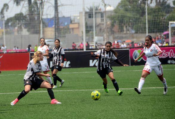 Pachuca hace historia: las Tuzas levantan la primera Copa Femenil en México