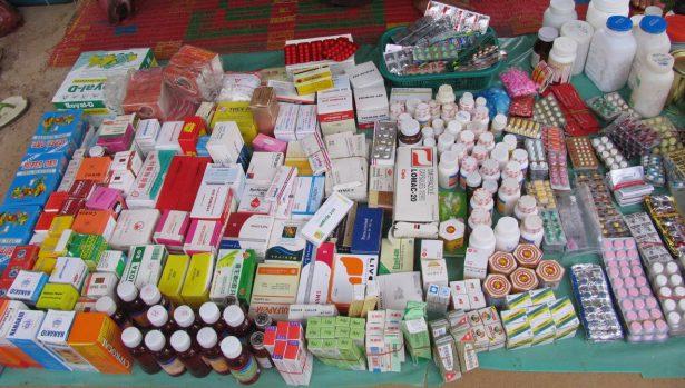 Repunta venta ilegal de medicamentos en tianguis del valle de Toluca