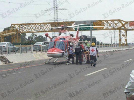 Carambola de 7 vehículos en la México-Toluca deja 5 heridos