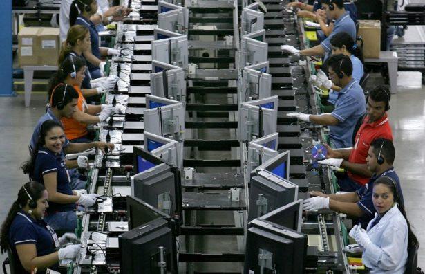 """Menos del 10% de las empresas han recurrido a """"paros técnicos"""""""