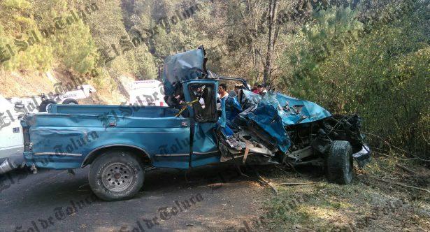 En volcadura pierden la vida dos mujeres en Villa de Allende