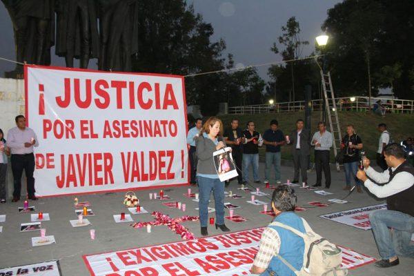 ¡No más muertes! exigen comunicadores mexiquenses