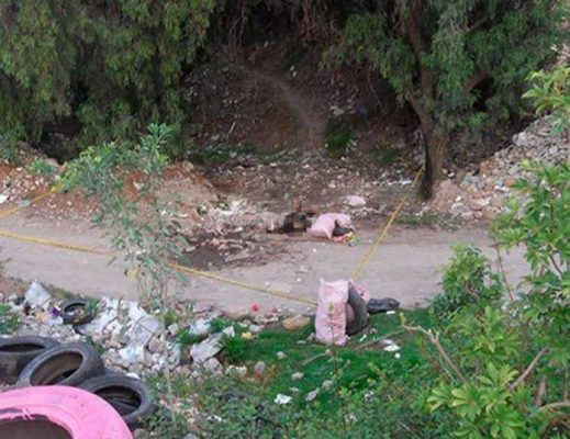 Asesinan a un hombre y abandonan su cuerpo entre la basura