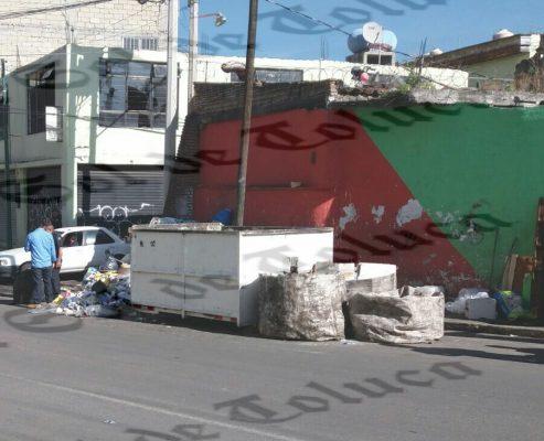 Hallan bebé muerto en contenedor de basura en Toluca