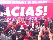 Celebra del Mazo triunfo en la plaza de la Unidad