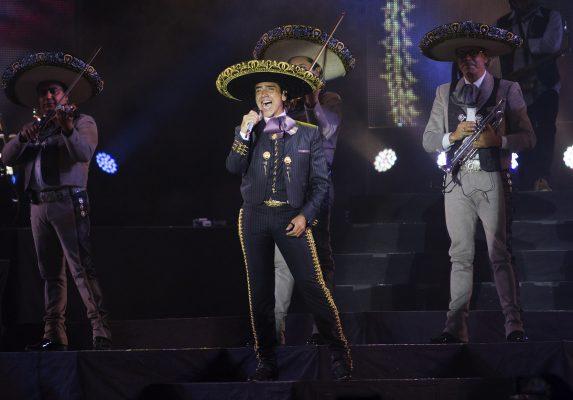 """El Potrillo"" deleitó a sus fans de Cuautitlán"