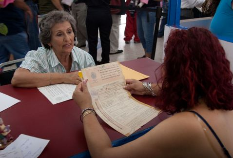 Realiza Registro Civil casi 2 mil correcciones a actas de nacimiento