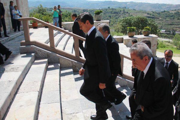 Ofrece sus condolencias Peña Nieto por muerte Arzobispo Antonio Chedraoui