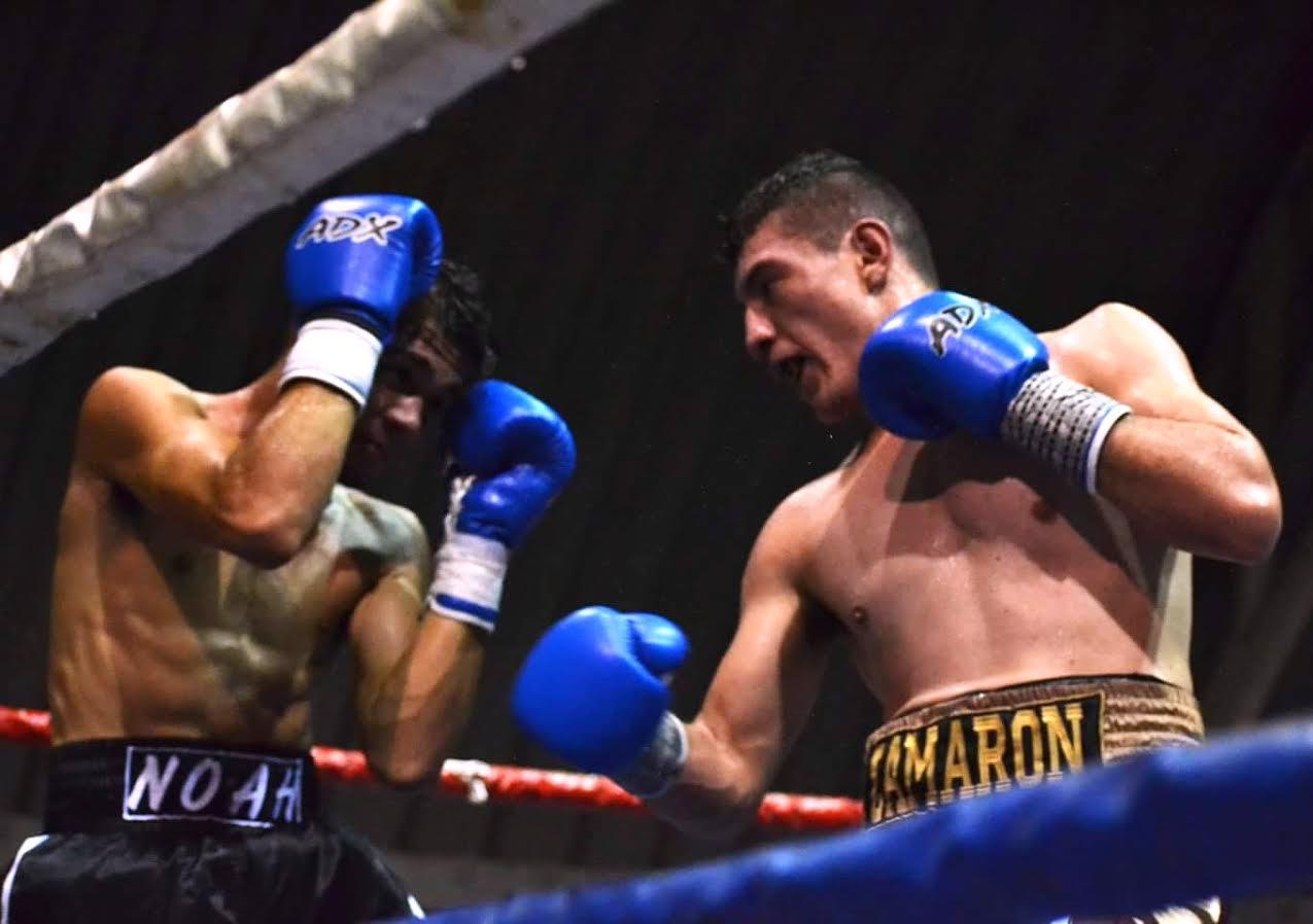 El peleador toluqueño salió a presionar desde el primer round