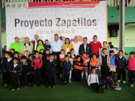 """Rotarios entregaron """"Zapatitos"""""""