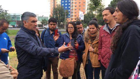 David Castañeda Delgado, director de gobierno región Toluca, con el colectivo Abracemos Tollocan.