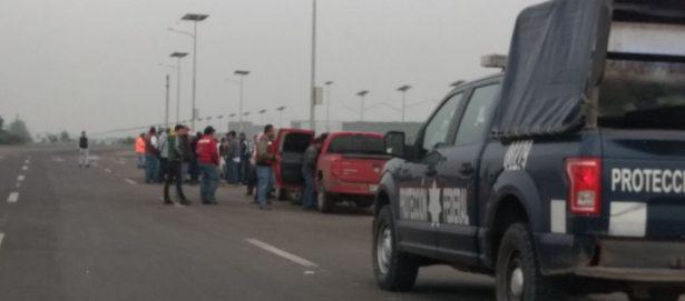 Trabajadores de la construcción cierran accesos del nuevo aeropuerto