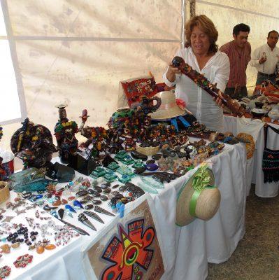 Consolidan Corredor Artesanal Turístico de Teotihuacán
