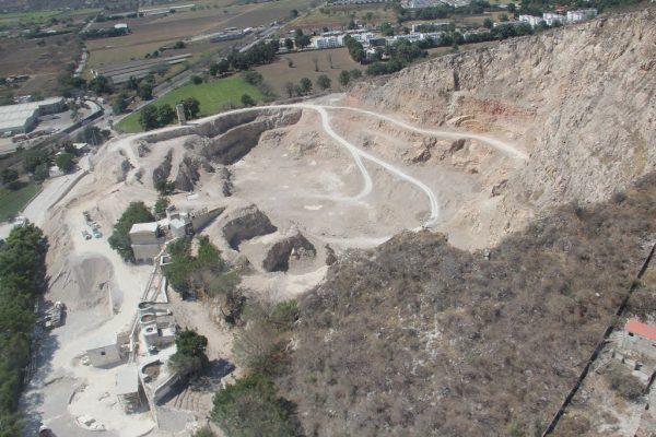 Sigue la explotación del Cerro del Tenayo