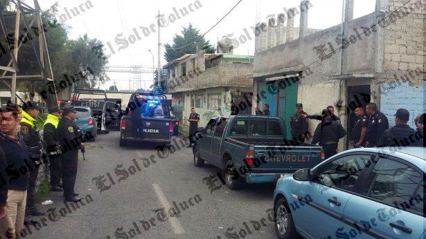 Detienen a decenas de jóvenes en bar clandestino de Toluca