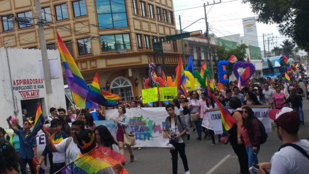 [Video] Realiza marcha comunidad LGBTTTI en Toluca