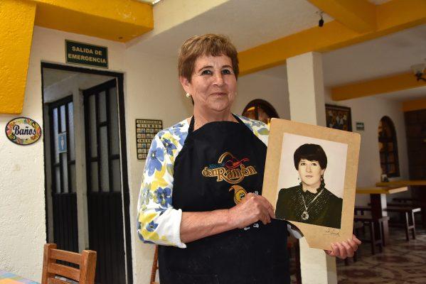 Doña Olga y sus tamales La Violeta;  la consentida de políticos y artistas