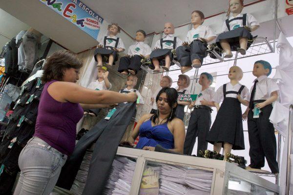 Recomienda Profeco reciclar uniformes