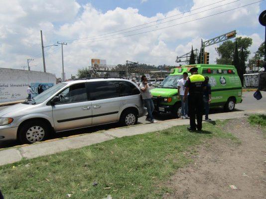 Tras percance vial, un hombre presuntamente golpea a dos mujeres en Toluca