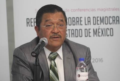 """Necesario ponerle """"dientes"""" a instituciones que frenan a la corrupción: Barrios Dávalos"""