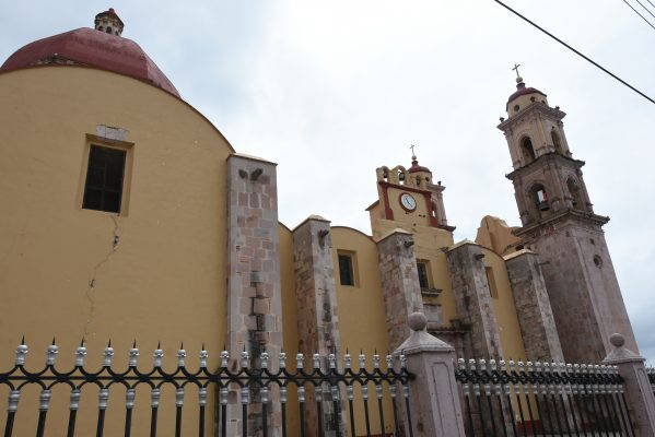 Cierran Iglesia en Coatepec por sismo