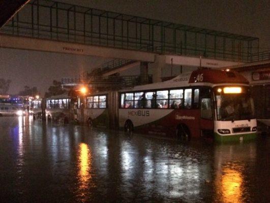 Resultaron dañadas seis unidades del Mexibús por las lluvias del martes