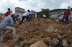 #ElSolEnGráficas    Decenas de viviendas destruidas por el sismo en Tecomatlán