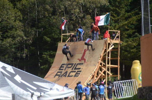 Un éxito la carrera con obstáculos Epic Race en Toluca