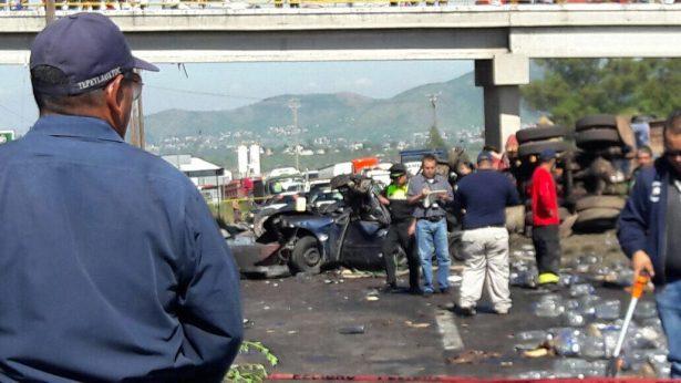 [Galería] Choque múltiple en la México-Calpulalpan deja dos personas muertas