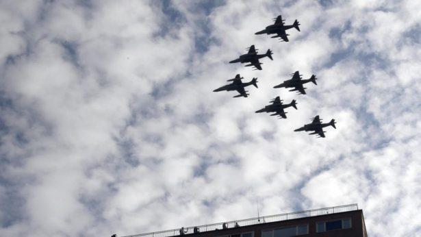 Avión militar se estrella en España tras desfile de la fiesta nacional