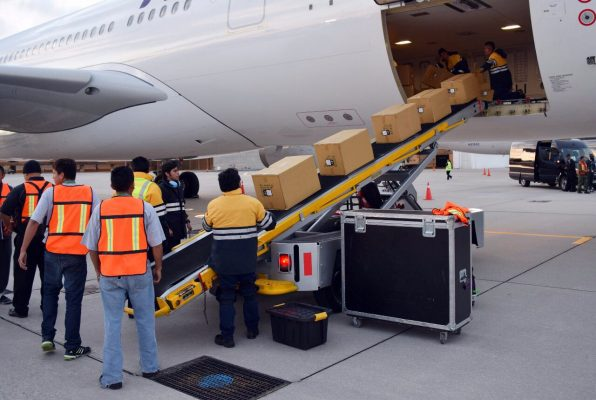 Aumenta movimiento de carga aérea en el AIT