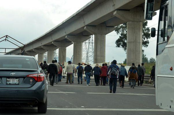 Ejidatarios de San Mateo Atenco marchan hacia Los Pinos