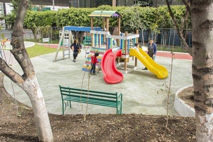 Entregan en Tlalnepantla el primer parque para adultos mayores