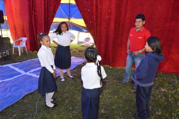 Escuela de carpa del Conafe, una oportunidad para niños migrantes