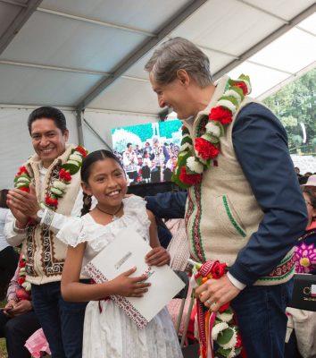 Busca GEM duplicar beneficiarios de Apadrina un Niño indígena