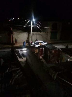 Se estrella contra poste en Otzolotepec; aparentemente manejaba ebrio