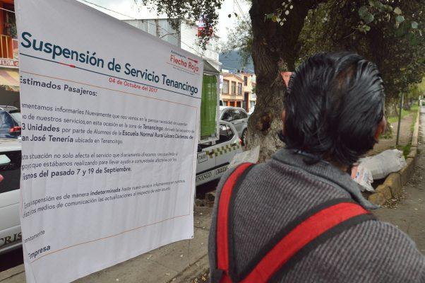 Varados quedaron usuarios por suspensión del servicio de Flecha Roja