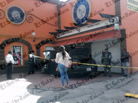 Fallece hombre tras golpearse contra una barda en Toluca
