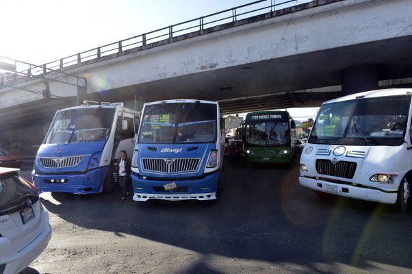 Sin visos de solución congestionamiento vial causado por autobuses