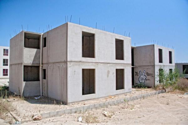 Carece Infonavit de permisos para construir casas de manera ordenada y con todos los servicios
