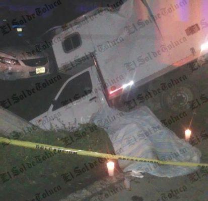 Choque entre camionetas deja a un conductor muerto